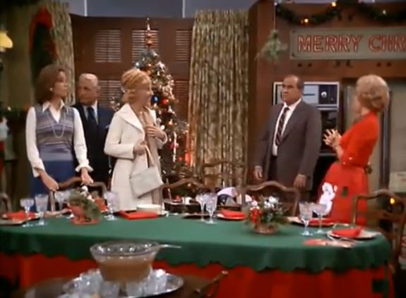 """Mary Tyler Moore """"Not a Christmas Story"""" S05 E09"""